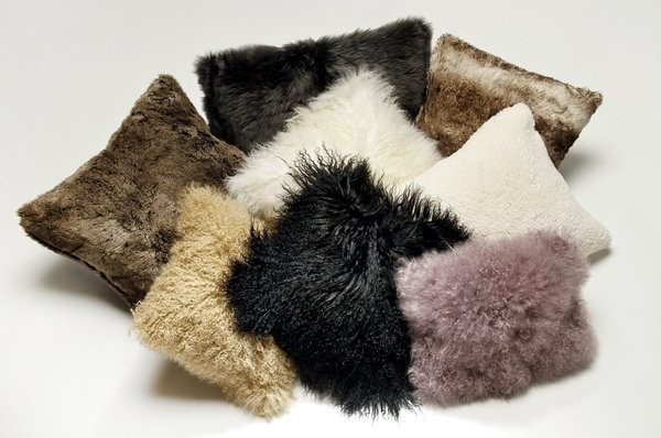 Меховая подушка своими руками